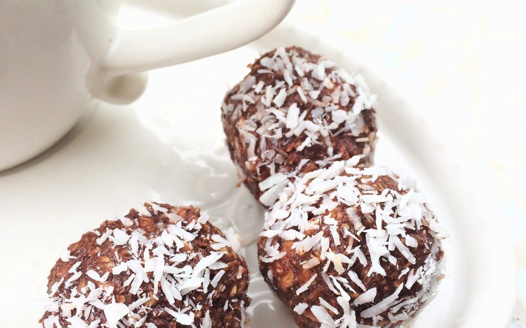 Keto chocolate, almond & coconut fat bombs